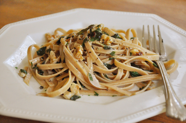 herbed garlic walnut pasta