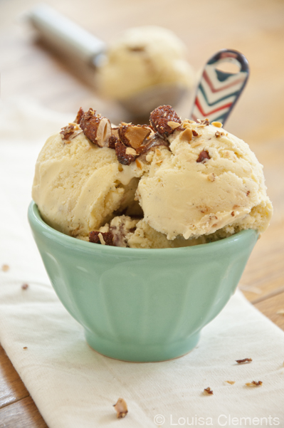 am, writing about this delicious Vanilla Chipotle Almond Ice Cream ...