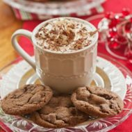 Take this holiday classic to the next level by adding chocolate, these chocolate ginger molasses cookies will be a family favourite. | livinglou.com