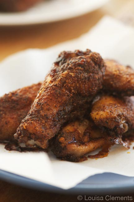 Make crispy baked chicken wings at home in the oven using cornstarch. | livinglou.com