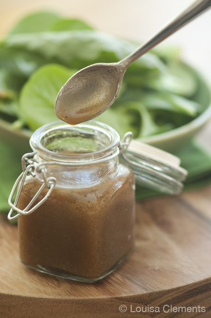 basic balsamic vinaigrette texture
