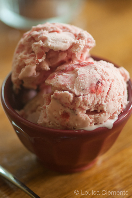 Homemade strawberry ice cream is a simple summer dessert and a delicious way to use in-season strawberries. | www.livinglou.com