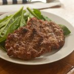 Get grilling with this easy and healthy recipe for 5 ingredient turkey burgers made with ground turkey, mayonnaise, garlic, lemon and chili flakes.   livinglou.com