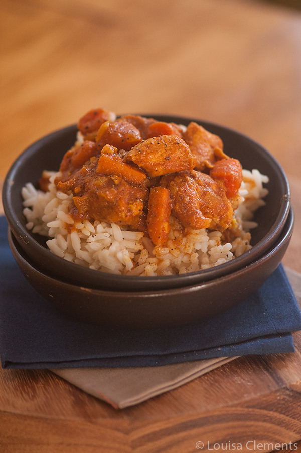 Make slow cooker moroccan chicken stew for dinner with chicken breasts, sweet potatoes and carrots. | livinglou.com