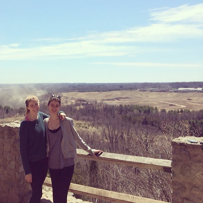 hiking at rattlesnake point