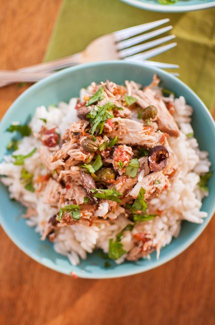 Slow cooker shredded puttanesca chicken is sure to be a family favourite! | livinglou.com