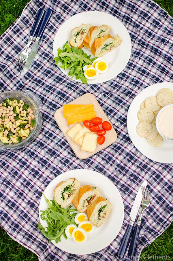 An antipasti sandwich is the perfect packable sandwich for a picnic. | livinglou.com #whatscooking