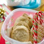 Add some holiday flavour to a simple drop sugar cookie with this recipe for chai spiced sugar cookies. | livinglou.com
