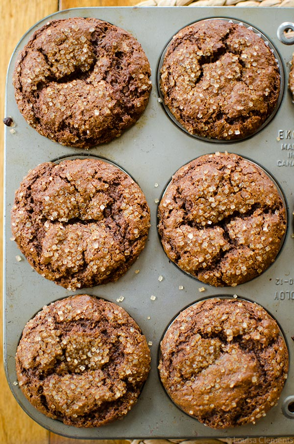Holiday baking doesn't always have to be indulgent, try this recipe for whole wheat gingerbread muffins. | livinglou.com