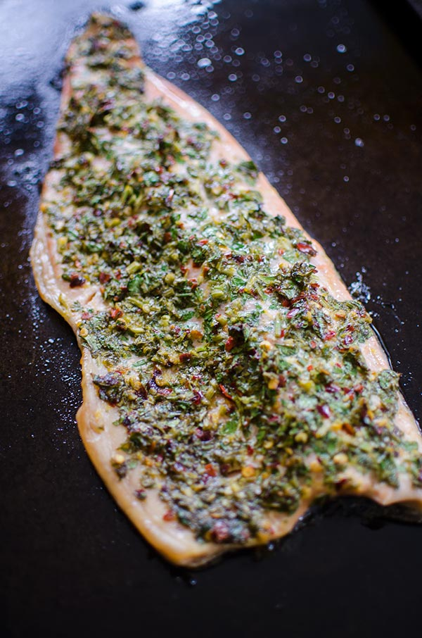 Lemon parsley roasted trout is a quick and flavourful dinner. | livinglou.com