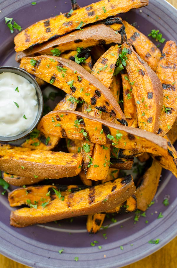 How to bake sweet potatoes on a gas grill