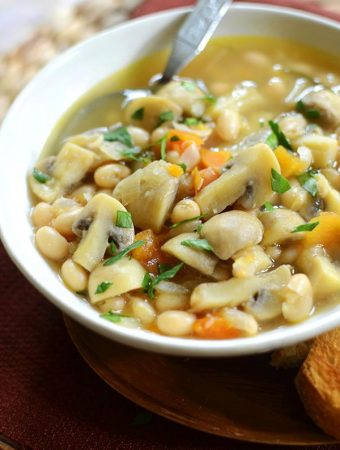 Roasted garlic, mushroom and white bean stew. | livinglou.com
