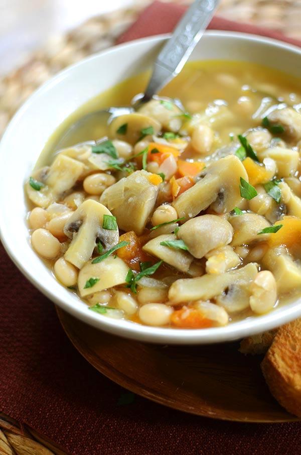 Roasted garlic, mushroom and white bean soup. | livinglou.com
