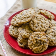 Peanut Butter-Oatmeal Chocolate Chunk Cookies are the best chocolate peanut butter cookie recipe out there. | livinglou.com