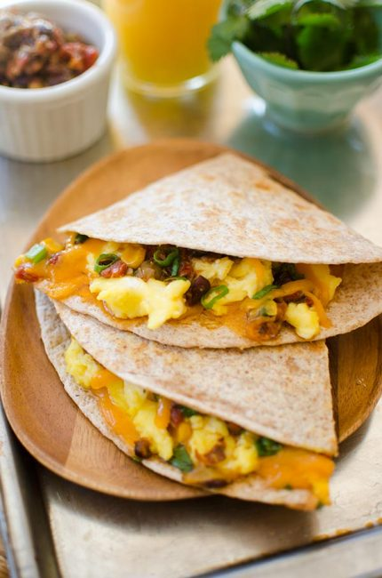 Quick Mexican-inspired breakfast quesadilla recipe. | livinglou.com