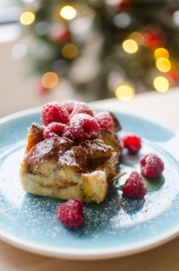 Simplify brunch this holiday season with this recipe for overnight eggnog French toast. | livinglou.com